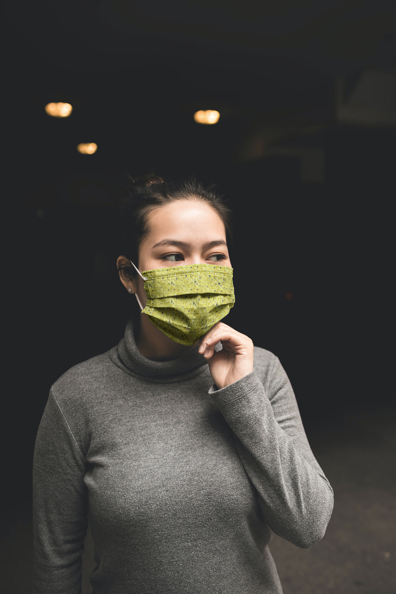 woman with facemask mockup